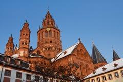 Cathédrale de Mayence (les DOM de Mainzer) un jour d'hiver Photos stock