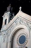 Cathédrale de rue Paul la nuit Image libre de droits