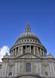 Cathédrale de rue Pauls à Londres Images libres de droits