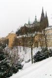 Cathédrale de rue Vitus en hiver Images stock