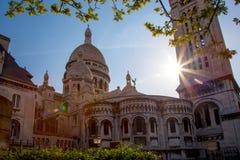 Cathédrale de Sacre Coeur pendant le printemps à Paris, France Photos stock