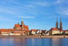 Cathédrale de St John le baptiste sur la rivière d'Odra à Wroclaw, Pologne image stock
