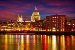 Cathédrale de St Paul Pauls de Londres de millénaire Photos stock
