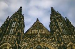 Cathédrale de St Vitus dans le château de Prague à Prague Photos libres de droits