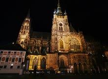 Cathédrale de Vitus de saint la nuit images libres de droits