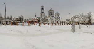 Cathédrale des saints de Moscou et l'église de St Sergius de Radonezh Photos libres de droits