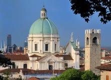Cathédrale et horizon de Brescia, Italie Photo stock