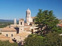 Cathédrale et maisons de Gerona images stock