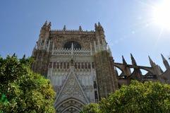 Cathédrale et soleil de Séville photos libres de droits