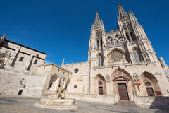 Cathédrale gothique de point de repère célèbre dessus Images libres de droits