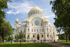 Cathédrale navale de saint Nicholas dans Kronstadt images libres de droits