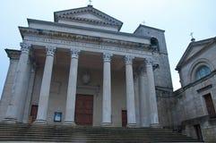 Cathédrale située dans la république de San Marino images stock