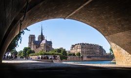 cath贵妇人・ de drale notre巴黎 免版税图库摄影
