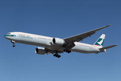 Cathay Pacific Boeing 777-367(ER) Stock Images
