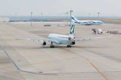 Cathay Pacific dans l'aéroport international Japon de Chubu Centrair Image stock