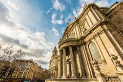 Cathédrale de rue Pauls à Londres Image libre de droits