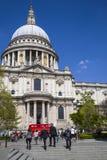 Cathédrale de rue Pauls à Londres Photos stock