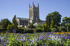 Cathédrale de St Edmundsbury d'Abbey Gardens dans St Edmunds d'enfouissement Photographie stock libre de droits
