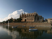 Cathedral La Seu in Palma de Mallorca, Spain. This church is one of the famous landmarks of Mallorca (Majorca). In the foreground Park del Mar with the salt royalty free stock images