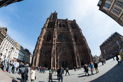 Cathedral Notre-Dame-de-Strasbourg with tourists around Stock Photo