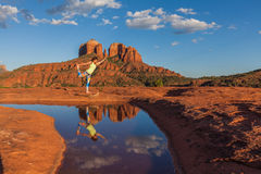 Cathedral Rock Yoga Refletion Royalty Free Stock Images