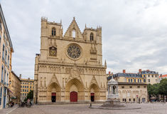 Cathedrale圣徒吉恩巴帝斯特de利昂,法国 免版税库存照片