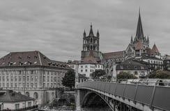 Cathedrale i most w Lausanne B&W fotografia Zdjęcie Royalty Free