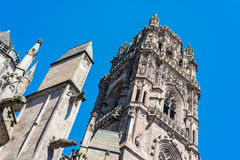 Cathedrale Notre-Dame i Rodez, Frankrike royaltyfria foton