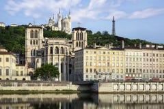 Cathedrale sobre la iglesia en la ciudad de Lyon Fotografía de archivo libre de regalías