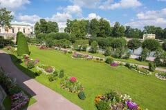 Catherine-Park in Tsarskoe Selo im Sommer, St Petersburg, Russland stockfotografie