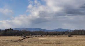 Catskill berg och gammal Cornfield arkivbilder