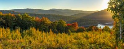 Catskills behållare Autumn Sunset Panorama royaltyfri bild