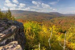 Catskills Ledge Peak Color arkivfoto