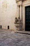 Cattedrale二孔韦尔萨诺,普利亚,意大利 库存照片