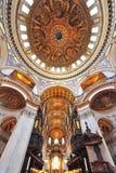 Cattedrale del Paul del san - sotto la cupola Immagine Stock