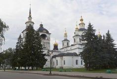 Cattedrale del presupposto di vergine Maria benedetto nella mattina di inizio dell'estate in Veliky Ustyug Fotografia Stock