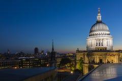 Cattedrale del ` s di St Paul da un nuovo cambiamento fotografia stock libera da diritti