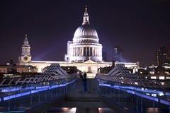 Cattedrale del ` s di St Paul nella sera Fotografia Stock