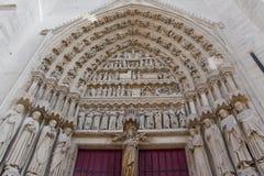 Cattedrale del sud di Amiens dell'entrata Fotografia Stock Libera da Diritti