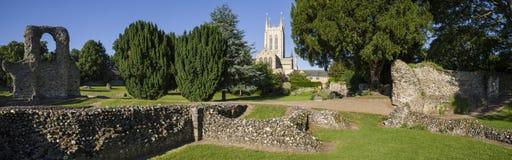 Cattedrale della st Edmunds Abbey Remains e della st Edmundsbury della fossa fotografia stock libera da diritti