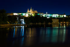 Cattedrale della st Vitus alla notte a Praga Fotografie Stock Libere da Diritti