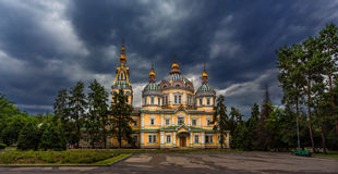 Cattedrale di ascensione a Almaty immagine stock libera da diritti
