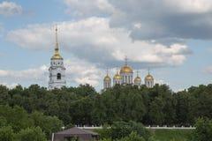 Cattedrale di ascensione di punto di vista di Vladimir Russia di paesaggio urbano immagini stock libere da diritti