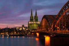 Cattedrale di Colonia al crepuscolo Fotografia Stock Libera da Diritti