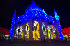 Cattedrale di Como con le immagini della famiglia santa Fotografia Stock