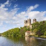Cattedrale di Durham e l'usura Inghilterra del fiume fotografia stock