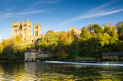 Cattedrale di Durham sopra usura del fiume Fotografie Stock Libere da Diritti