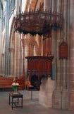 Cattedrale di Ginevra St Pierre dentro con i banchi di chiesa Immagine Stock