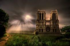 Cattedrale di Notre Dame sotto la tempesta Immagine Stock Libera da Diritti