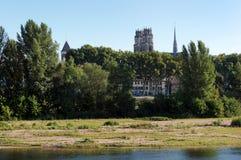 Cattedrale di Orleans e banche del fiume Loira Fotografie Stock Libere da Diritti
